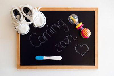 /funny/these-pregnancy-announcements-are-cute-as-a-button/img/baby11-700x467MobileImageSizeReigNN.jpg