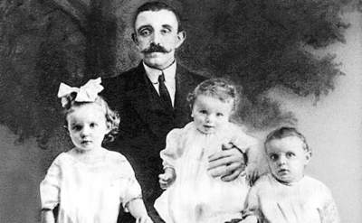/spotlight/the-dark-side-of-dna-tests-woman-uncovers-century-old-family-mystery/img/AliceCollins03_MobileImageSizeReigNN.jpg