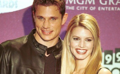 Singers Jessica Simpson and Nick Lahey are attending the 1999 Billboard Music Awards in Las Vegas.