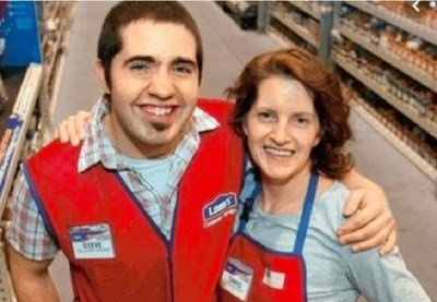 /trending/after-searching-for-his-birth-mom-for-years-he-realized-he-worked-with-her/img/ManMeetsBirthMom25_MobileImageSizeReigNN.jpg