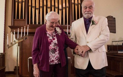 /trending/high-school-sweethearts-finally-wed-after-spending-63-years-apart/img/highschoolsweethearts15_MobileImageSizeReigNN.jpg